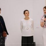 Iš kairės: menotyrininkė Agnė Narušytė, tapytoja Eglė Ridikaitė ir parodos kuratorė Vilma Mačianskaitė. Domo Rimeikos nuotr.