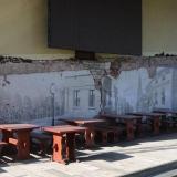 """BARAS """"Pilies uostas"""" savo iniciatyva papuošė pastato Priešpilio g. 6 sieną dailininko Aurimo Eidukaičio kūriniu. """"Vakarų ekspreso"""" archyvo nuotr."""