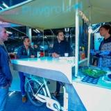 """Grupinis projektas """"Gostro"""" – elektrinis dviratis, skirtas versliems restoranams, siekiantiems reklamuotis už įmonės ribų. Mobilus dviračio kompleksas leidžia lengvai pakeisti lokacijos vietą, pritaikytas įvairioms gamtinėms sąlygoms, o virtuvės įranga ir dizainas sudaro sąlygas higieniškai gaminti aukštos kokybės maistą bei aptarnauti klientus. Asmeninio archyvo nuotr."""