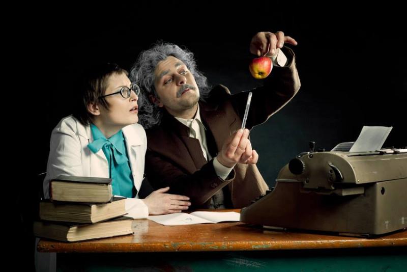 "Spektaklis ""Linksmoji Einšteino laboratorija"". ""AA Studio"" nuotr."