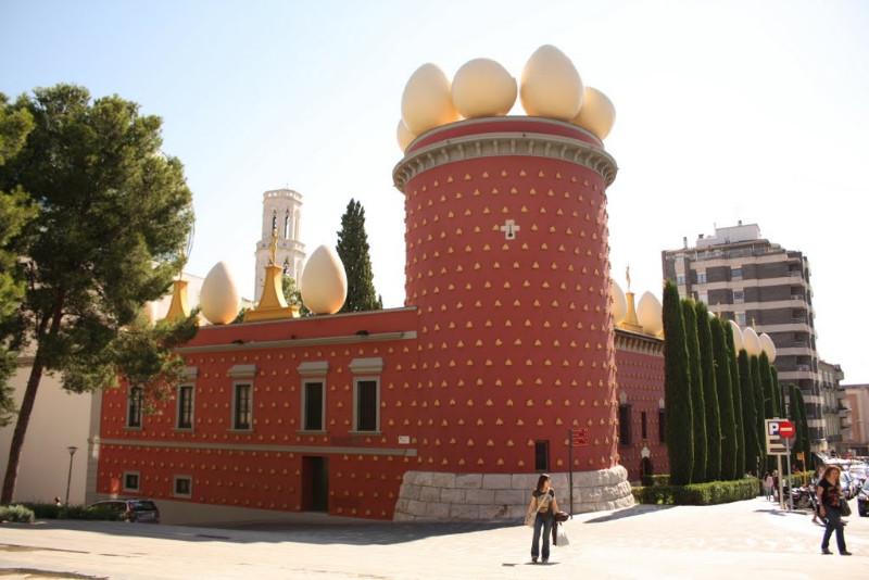 Salvadoro Dali teatras-muziejus Figerese (Ispanija). Šaltinis – static.panoramio.com.