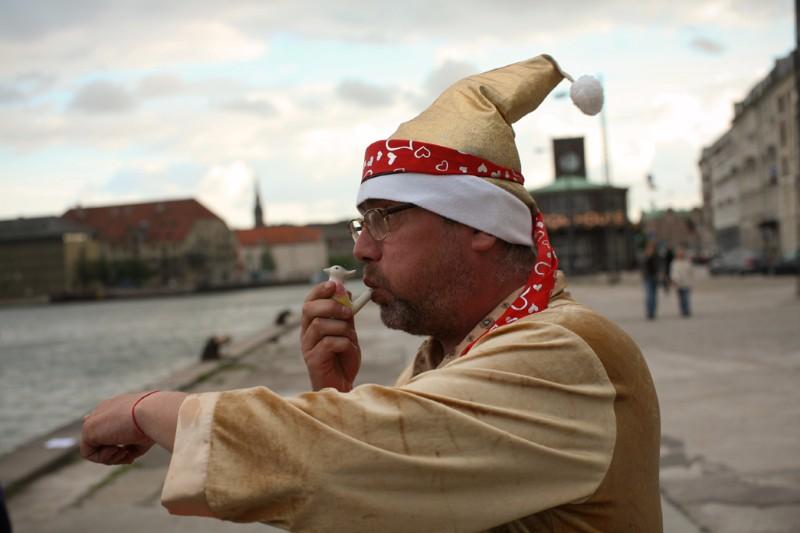 Andrus_Joonas_Aledoia_Stebuklingasis_paukstelis_ir_baltas_laivas_Kopenhagoje_2010