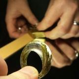 """Rankų darbo moteriškas žiedas """"Miško gaiva"""" iš plastiko mišinių. Asmeninio archyvo nuotr."""