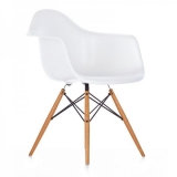 10-the-eames-plastic-side-chair-dsw