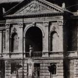 S. Dacho fontanas ir teatro pagrindinis fasadas. XX a. pr. Vilniaus regioninio valstybės archyvo nuotr.