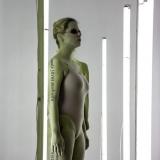 """Saulė Miežytė, šviesų instaliacija / performansas """"Melanin Print"""". Nerijaus Jankausko nuotr."""