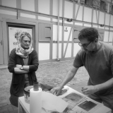 """Grafikos kūrybinės dirbtuvės """"Now Art. Atgimimas"""" su tapytoja Irma Leščinskaite ir grafiku Evaldu Mikalauskiu. Agnės Tumšienės nuotr."""