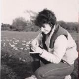 Emily Dundas. Mama, sėdinti ant žolės. Thompson Rivers universitetas (Kanada), III kursas.