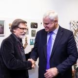 Menininką Saulių Bertulį pasveikino Klaipėdos meras Vytautas Grubliauskas. Nerijaus Jankausko nuotr.
