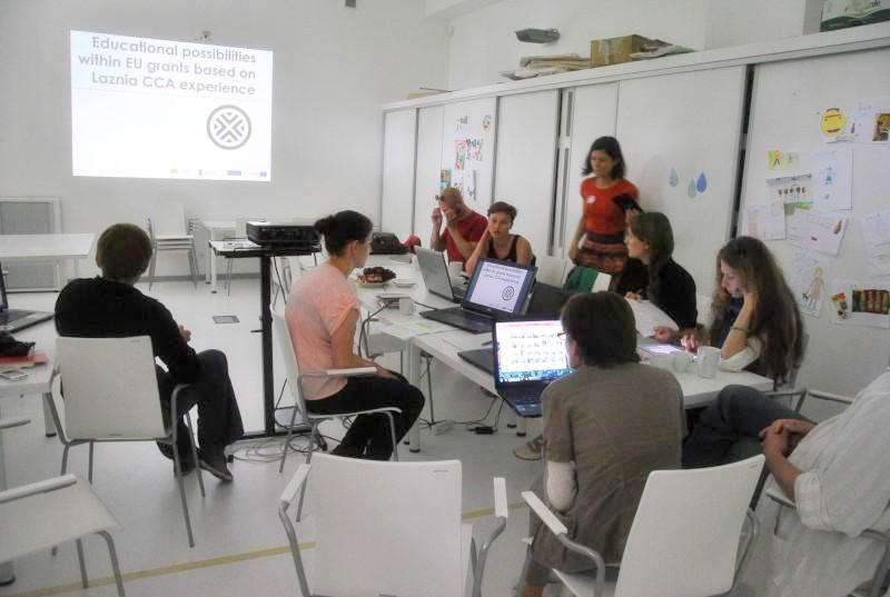 Praėjusią vasarą projekte dalyvaujančių kultūros įstaigų atstovai rinkosi aptarti bendro veiksmų plano. KKKC nuotr.