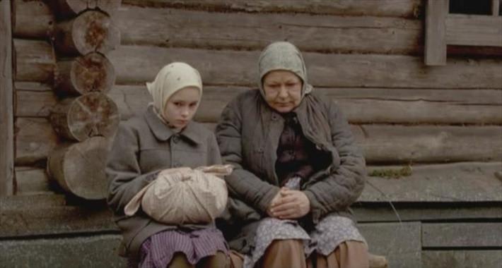 Filmo personažus įkūnijo jaunutė Anastasija Marčenkaitė (k.), rusų kino aktorė Raisa Riazanova ir kiti.