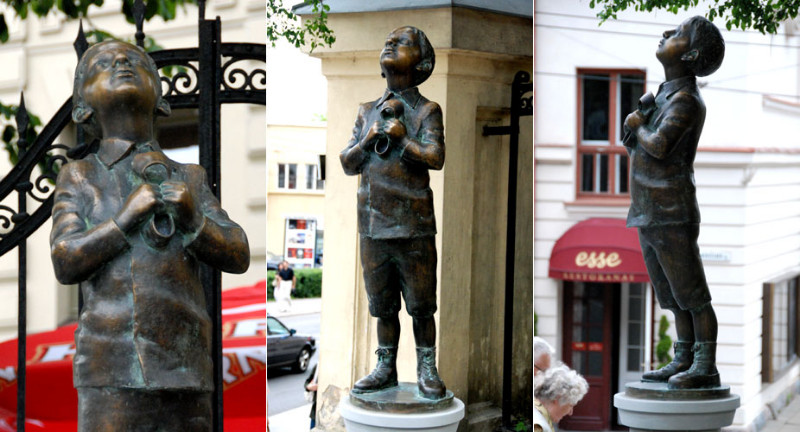 Romo Kvinto skulptūra
