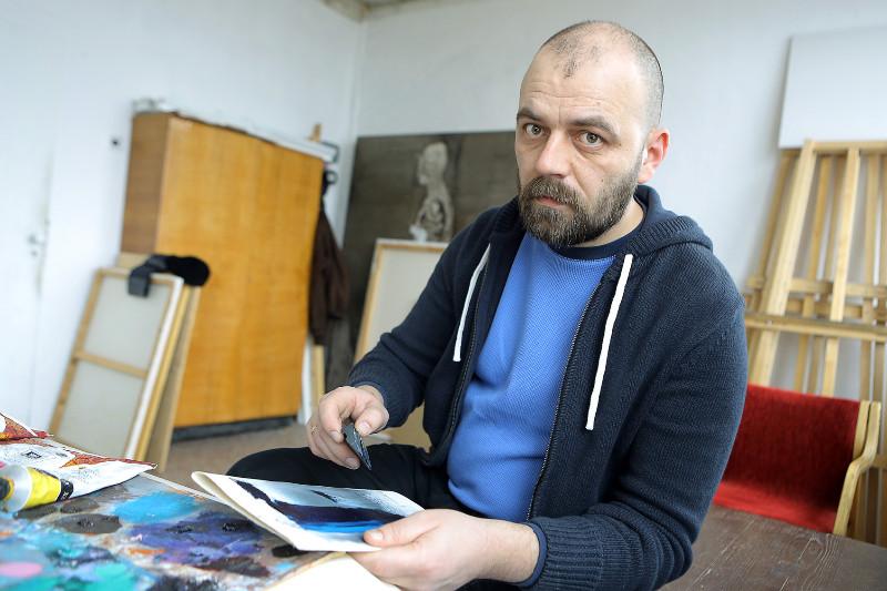 """Daugiau nei dešimtmetį praleidęs JAV klaipėdietis tapytojas R.Marčius, grįžęs namo, sako atradęs gyvenimo pilnatvę. Vytauto Petriko (""""Klaipėda) nuotr."""