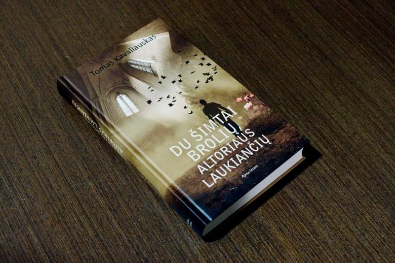Kavaliausko_knyga