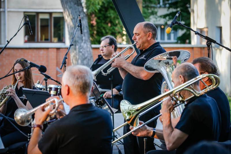 Brass_kvintetas_parke_foto_V_Petrikas