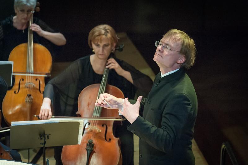 Servenikas_KVMT_orkestras_foto_Olesios_Kasabovos