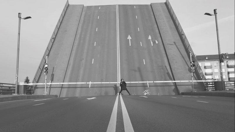 Pilies tiltas. Videoklipo kadras