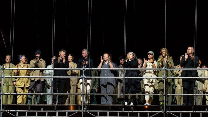 """Operos """"Skrajojantis olandas"""" kūrybinė komanda. Martyno Aleksos nuotr."""
