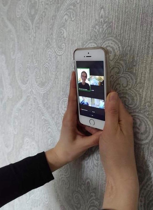 Karantino metu teatro studijos nariai susitinka virtualiai – kiekvienas iš savo namų. KDT archyvo nuotr.