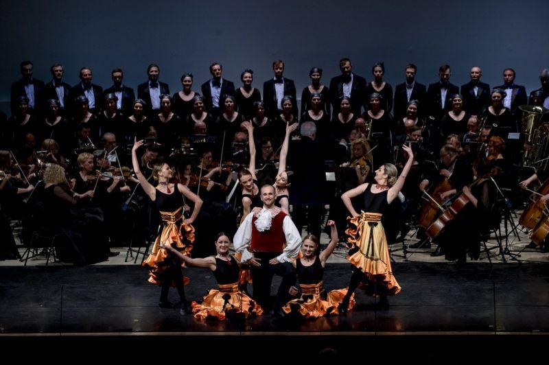Dirigento Stasio Domarko jubiliejiniame koncerte. Olesios Kasabovos nuotr.
