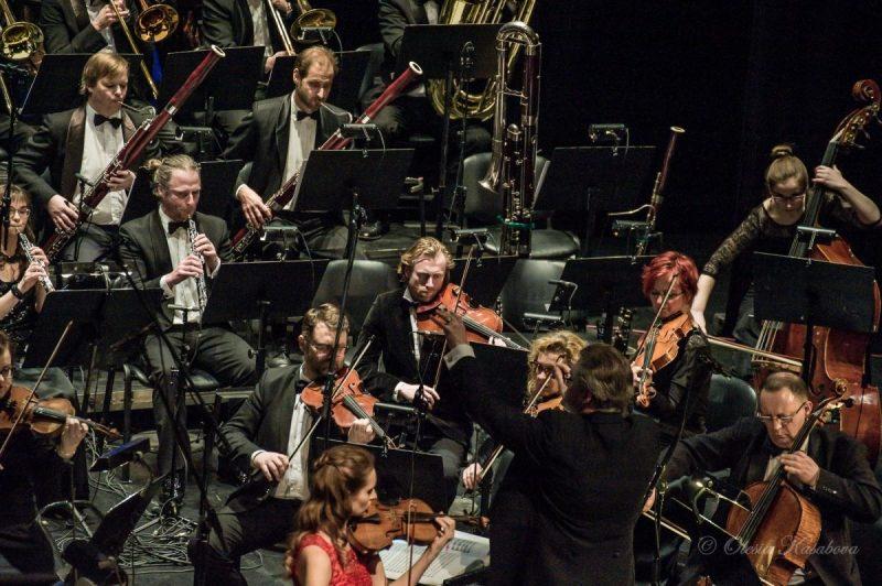 Koncertas E. Balsio 100-mečiui paminėti. Groja Klaipėdos muzikinio teatro orkestras, vyr. dirigentas Tomas Ambrozaitis. Olesios Kasabovos nuotr.