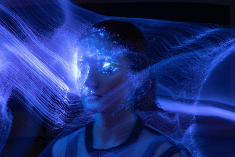 """Spektaklio """"Ryšys / Spaced Away"""" įvaizdinė nuotrauka. Autorė – Svetlana Batura."""