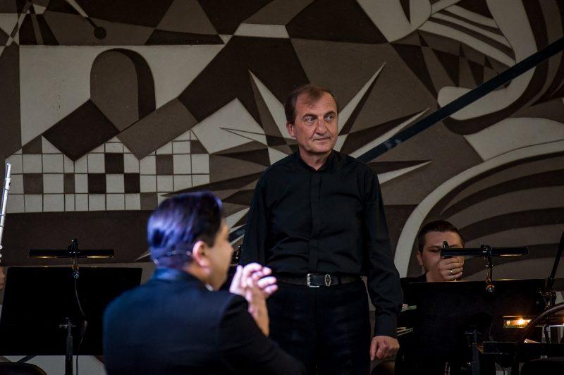 """Dmitrijus Zlotnikas – vienaveiksmių operų """"Vivat kava!"""" dirigentas.Olesios Kasabovos nuotr."""