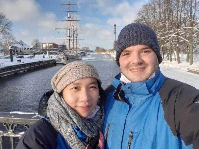 Muzikantų šeima Klaipėdoje atranda žiemos džiaugsmus. Asmeninio albumo nuotr.