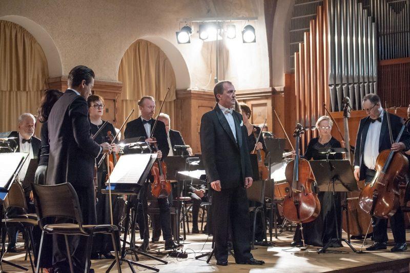 "Koncertas ""Vasaros atspindžiai"". Groja KVMT orkestras, dirigentas D. Zlotnikas. KVMT archyvo nuotr."