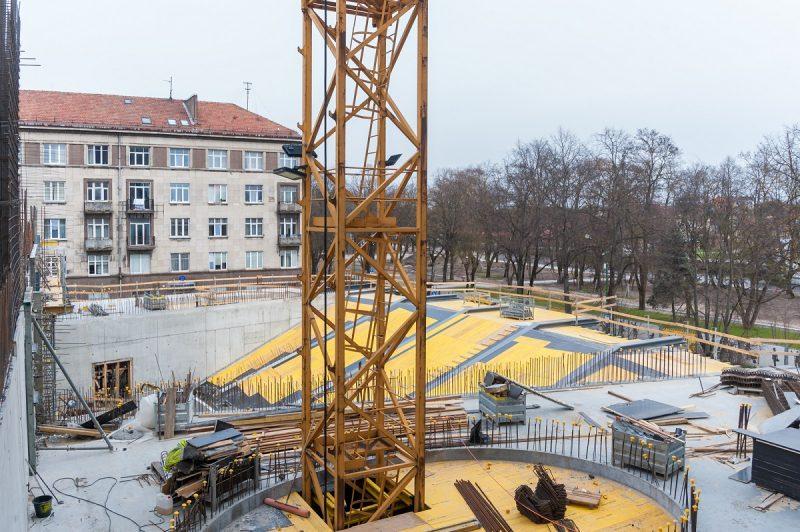 Sparčiai kyla Klaipėdos valstybinio muzikinio teatro pastatas. Olesios Kasabovos nuotr.