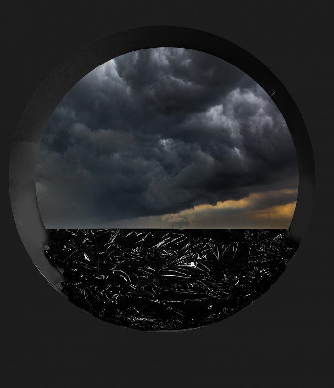 """Rodiono Petroffo instaliacija """"Juodoji jūra"""". Alfonso Mažūno nuotr."""