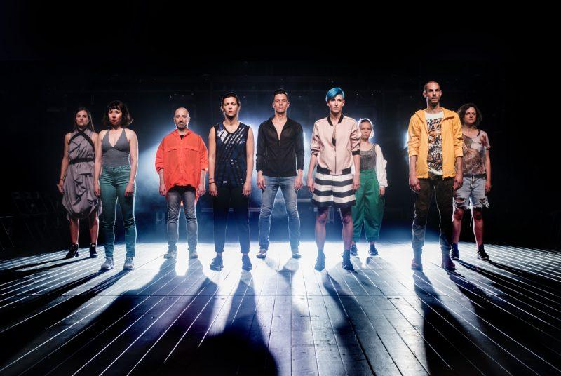 """Šeiko šokio teatro (Klaipėda) spektaklis """"Pareiškiu – Brandir"""", chor. Alban Richard, Agnija Šeiko. Dmitrijaus Matvejevo nuotr."""
