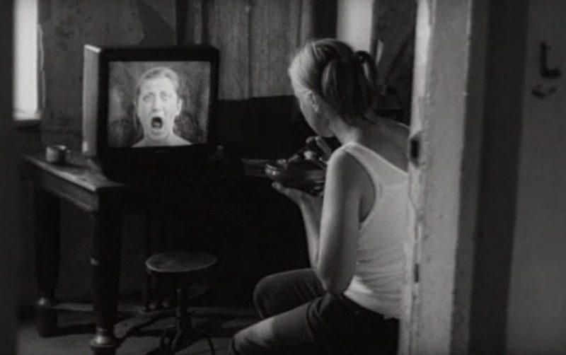 """Kadras iš filmo """"Aktas"""", rež. Janina Lapinskaitė, 2000 m."""
