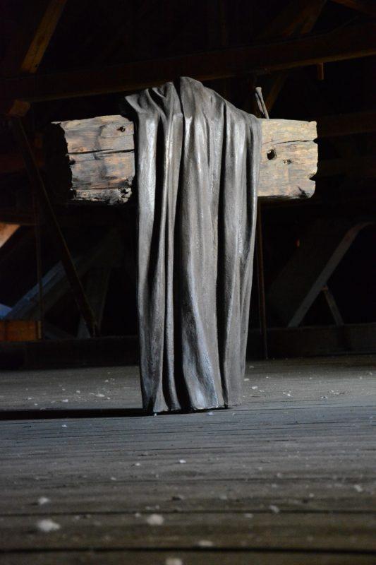 "Mariusz Burdek, ""Liudininkas"", 2014, medis, derva, 120x110x40 cm. Organizatorių archyvo nuotr."
