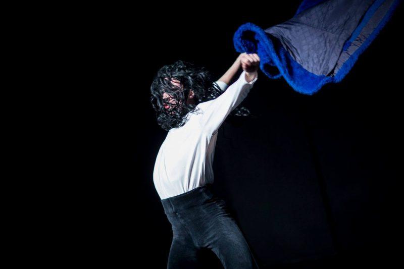 """Šiuolaikinio šokio spektaklis """"Blank Spots"""", Lukas Karvelis. Roman Raz nuotr."""