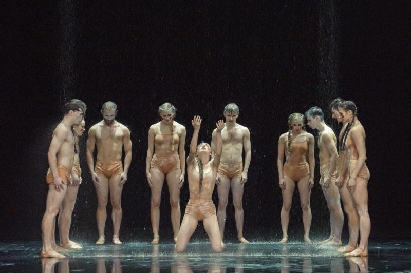 """Šokio spektaklio """"Šventasis pavasaris"""" repeticija. Olesios Kasabovos nuotr."""
