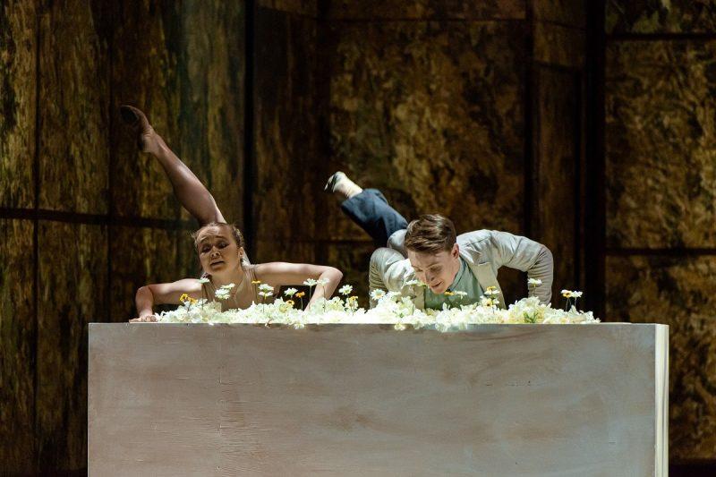 "Šokio spektaklis ""Faustas"": Margarita  – O. Borodina, jaunasis Faustas – R. Semenenko. Martyno Aleksos nuotr."